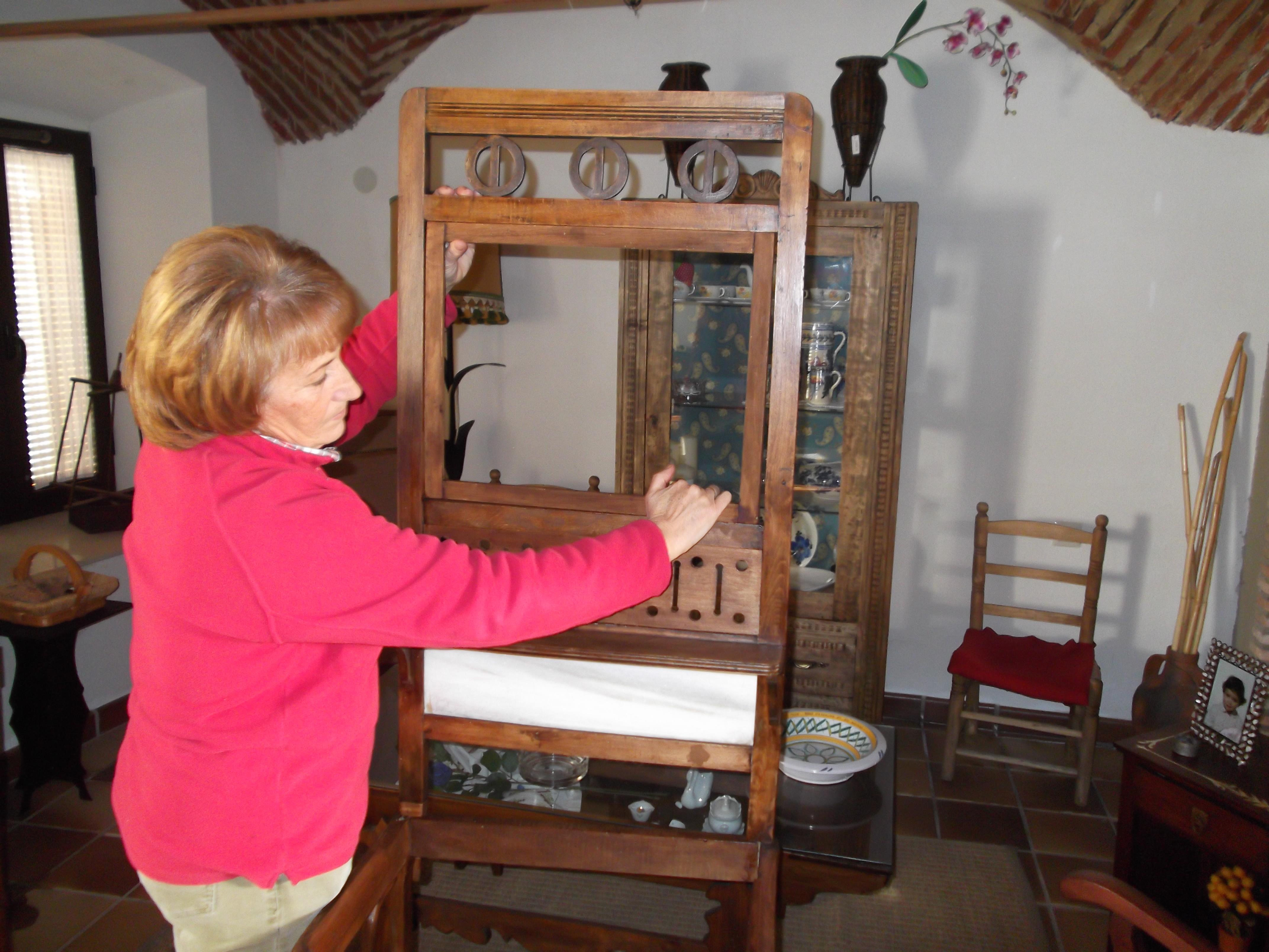 María Jimenez Galán, una pasión por el mueble antiguo